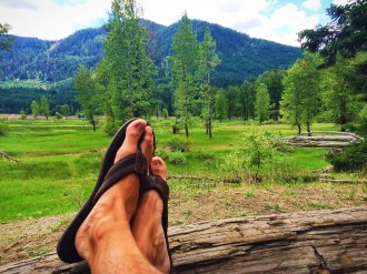 Rob Taylor feet a Cle Elum River Campground 1