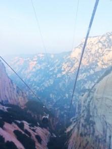 gondolas-in-granite-valley-at-huashan-national-park-3