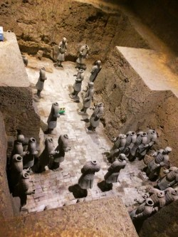 pit-3-headless-terracotta-warriors-1