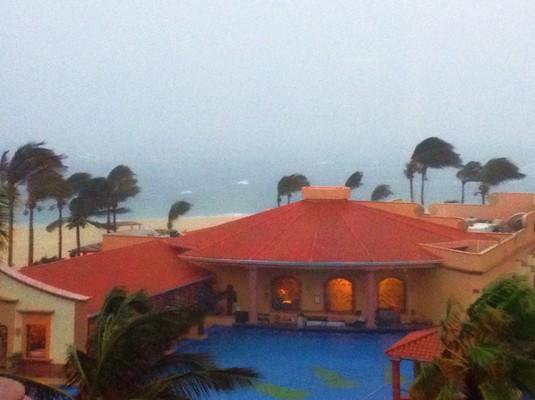 tropical-storm-at-playa-grande-cabo-san-lucas-1