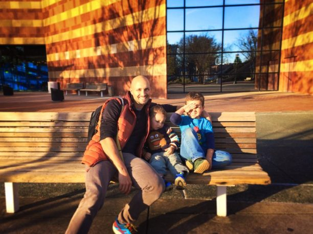 Rob Taylor and Kids outside Tennessee Aquarium 1