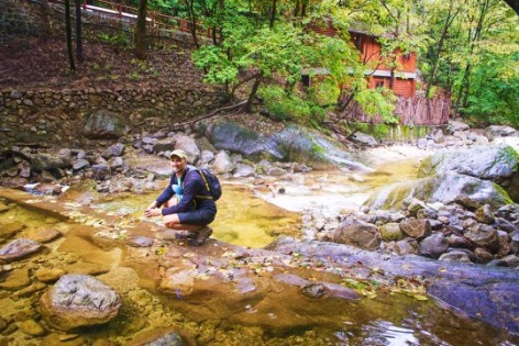 Rob Taylor in the River at Taibai Mountain National Park Shaanxi 1