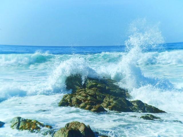 Cambria Coastline aqua waters wave crash