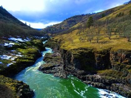 Klickitat River in Columbia River Gorge 3