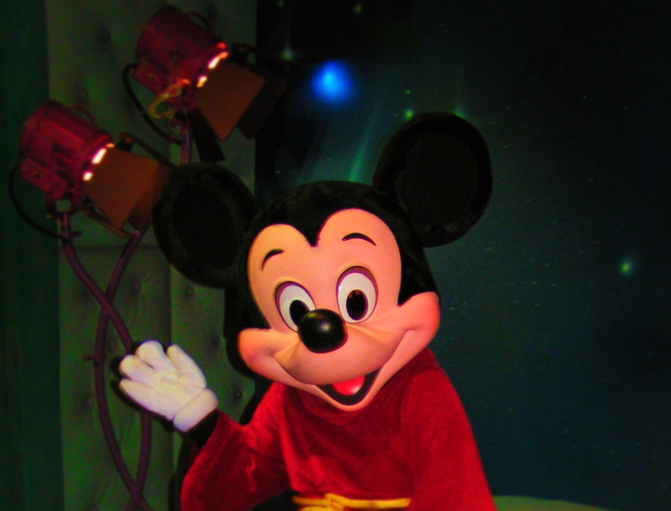 Apprentice Mickey Mouse Toontown Disneyland 1