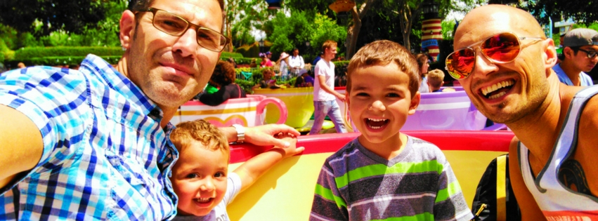 Disneyland with kids is unforgettable but you need to use your time wisely to create the best experience for your family, from riding rides to meeting characters. Family guide to Disneyland Park. 2traveldads.com