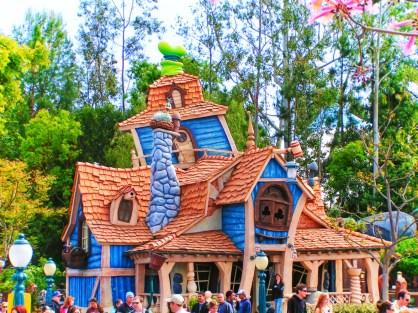 Goofys House in Toontown Disneyland 1