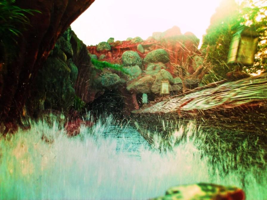 Splashing water on Splash Mountain Critter Country Disneyland 1