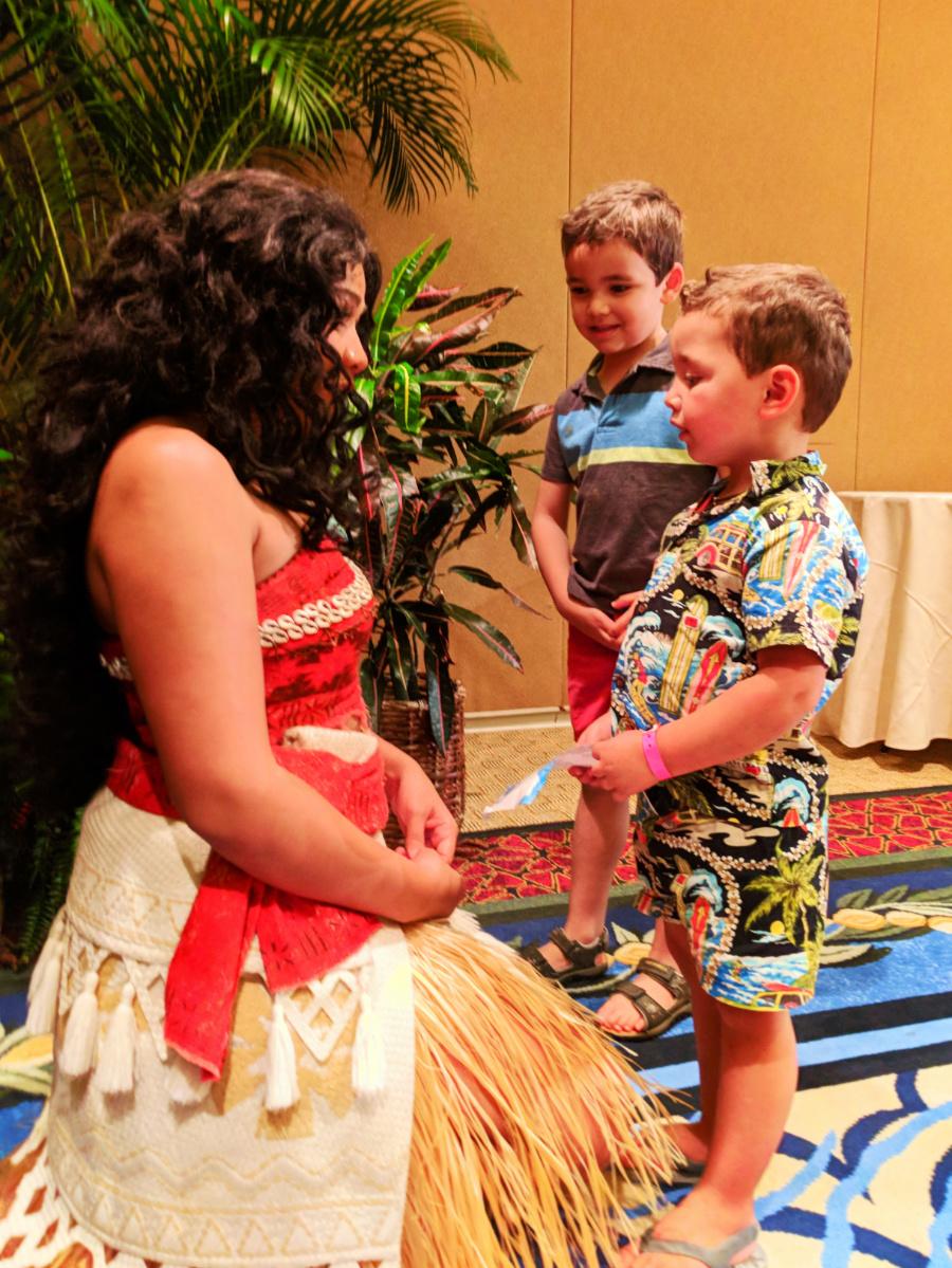 Taylor Family with Moana at Disney Aulani 8
