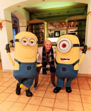 Rob Taylor with Minion Universal Blog Squad photo shoot 2