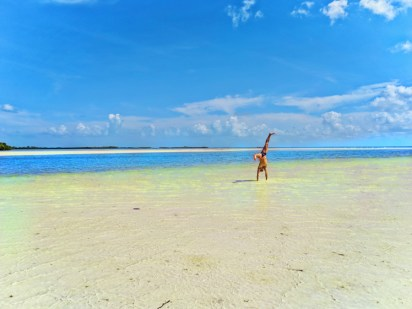 Rob Taylor Handstand in water at Isla Holbox 1