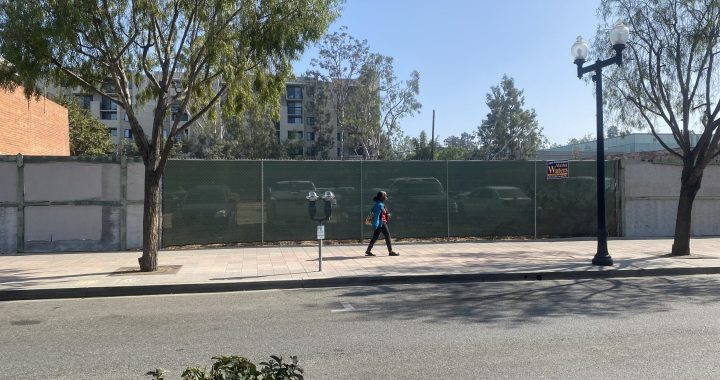 Woman walks past 150 N. Market Street November 3, 2020 (photo: 2UrbanGirls)