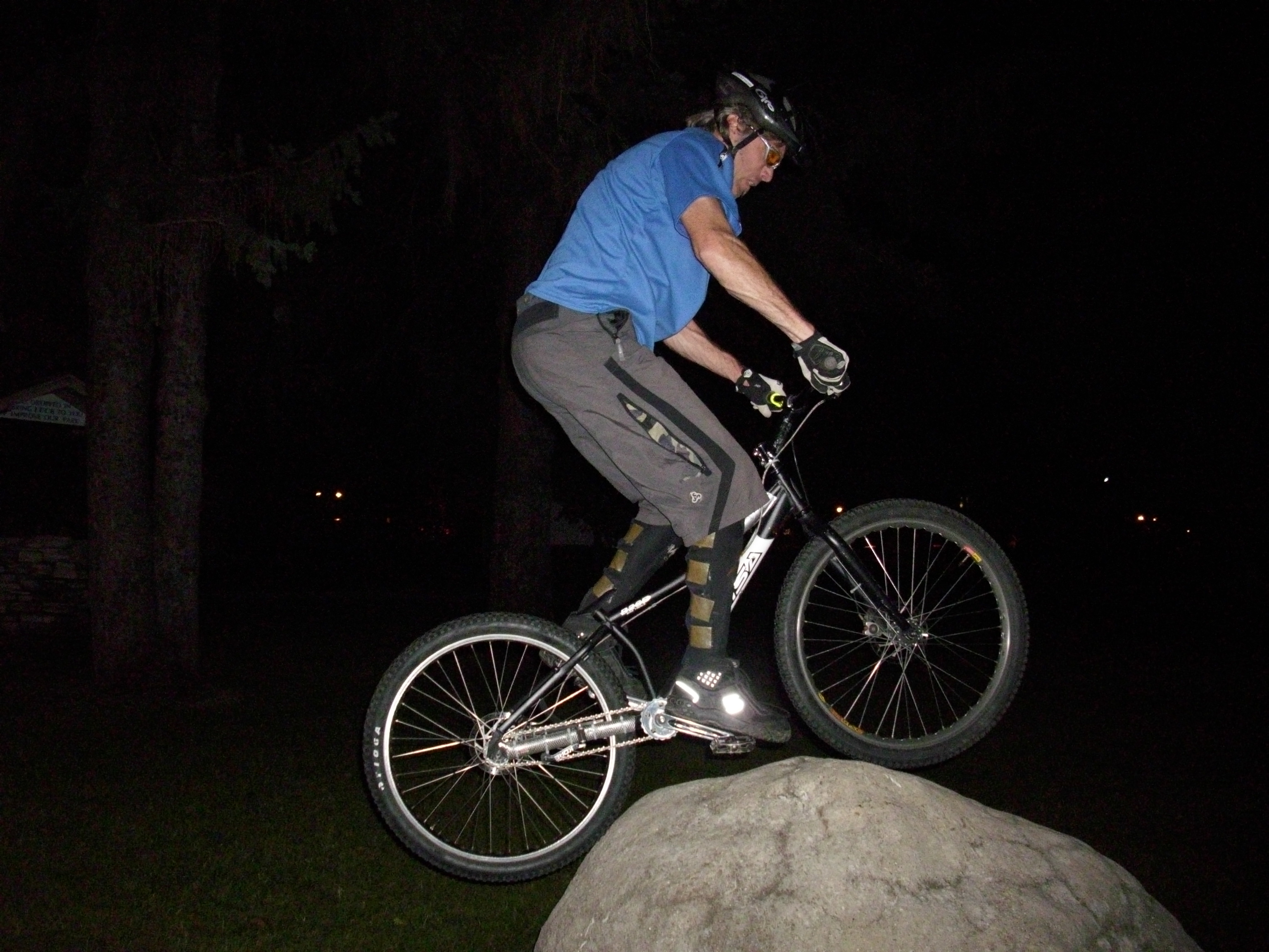 This one made repeated runs at this rock until he had hopped off and smoothly rolled off to his satisfaction.  Then he faded into the night.
