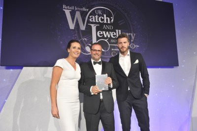 "two time winners of ""Jewellery E-tailer of the Year"" at the prestigious UK JEWELLERY AWARDS"