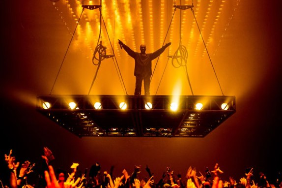 kanye west pablo tour KANYE WEST'S 'THE LIFE OF PABLO' BECOMES FIRST STREAMING ONLY ALBUM TO GO GOLD IN UK