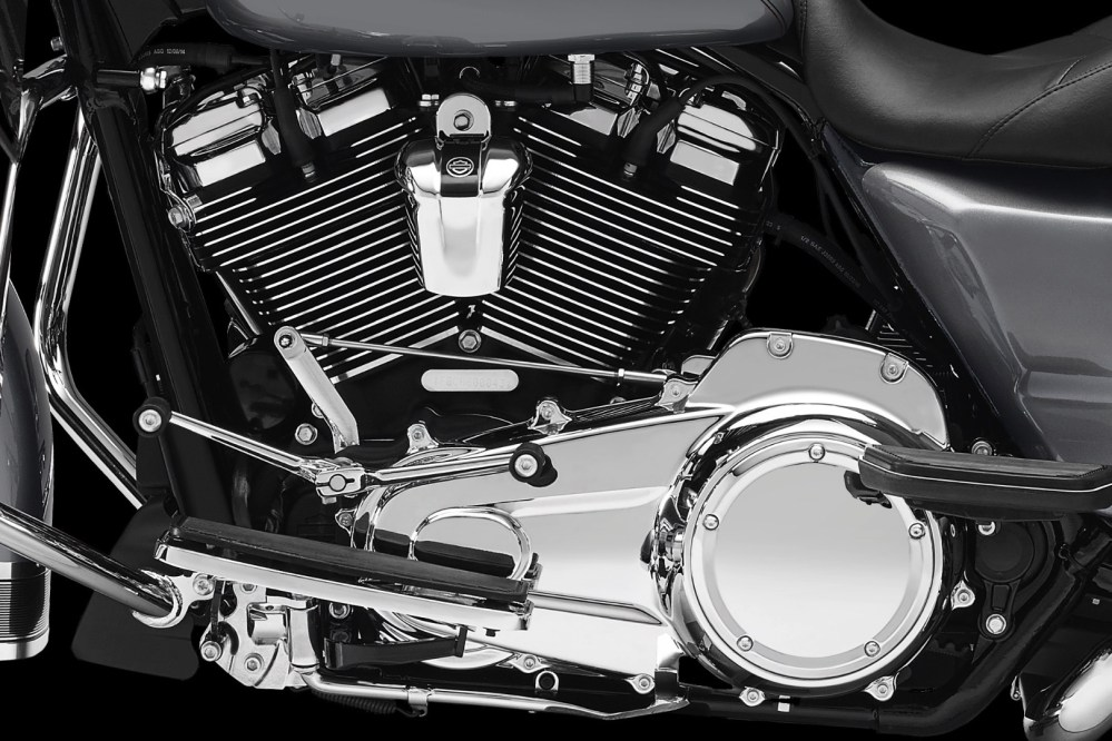 medium resolution of 2017 harley davidson milwaukee eight motor transmission