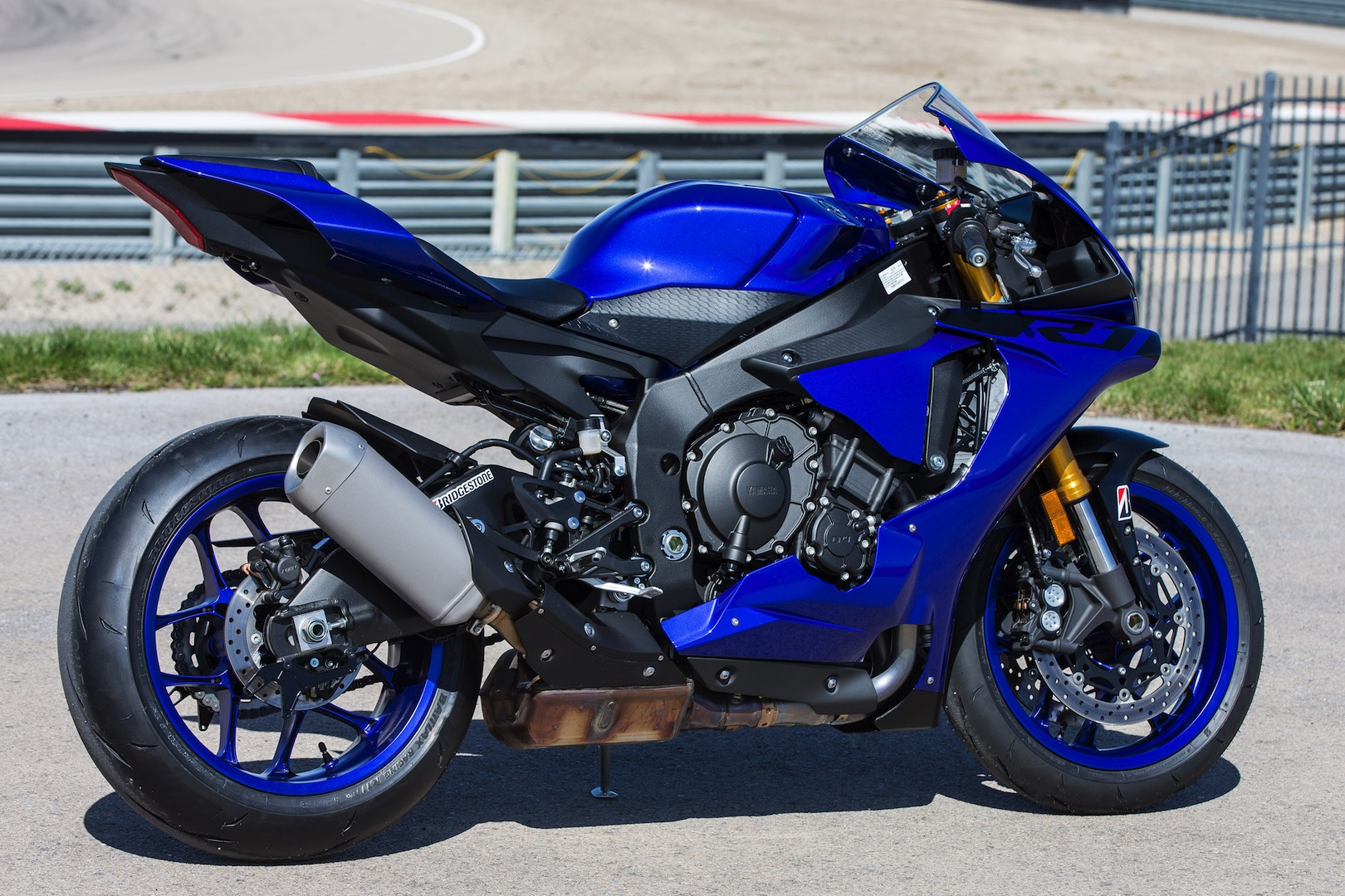 hight resolution of 2018 yamaha yzf r1 review