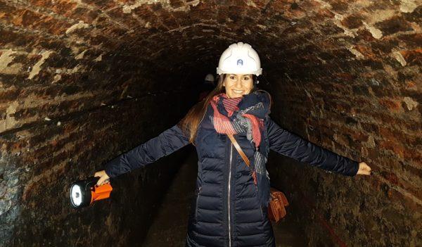 Laura en el Túnel Victoria
