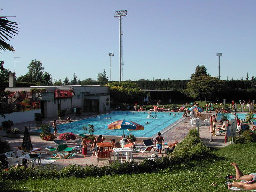 Riapre la piscina comunale a Spezzano