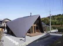 A House with an Origami-Like Roof - Design Milk