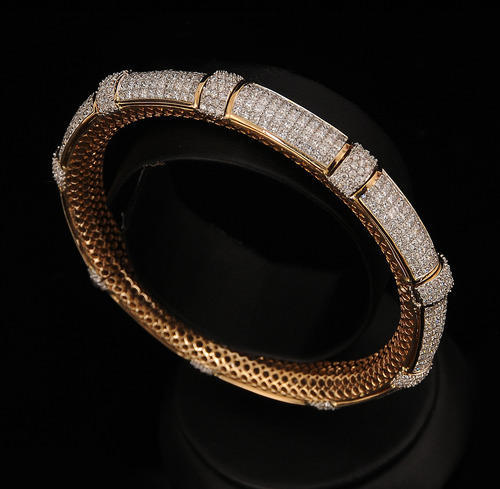 Indian Traditional Diamond Bangles Design at Rs 175000
