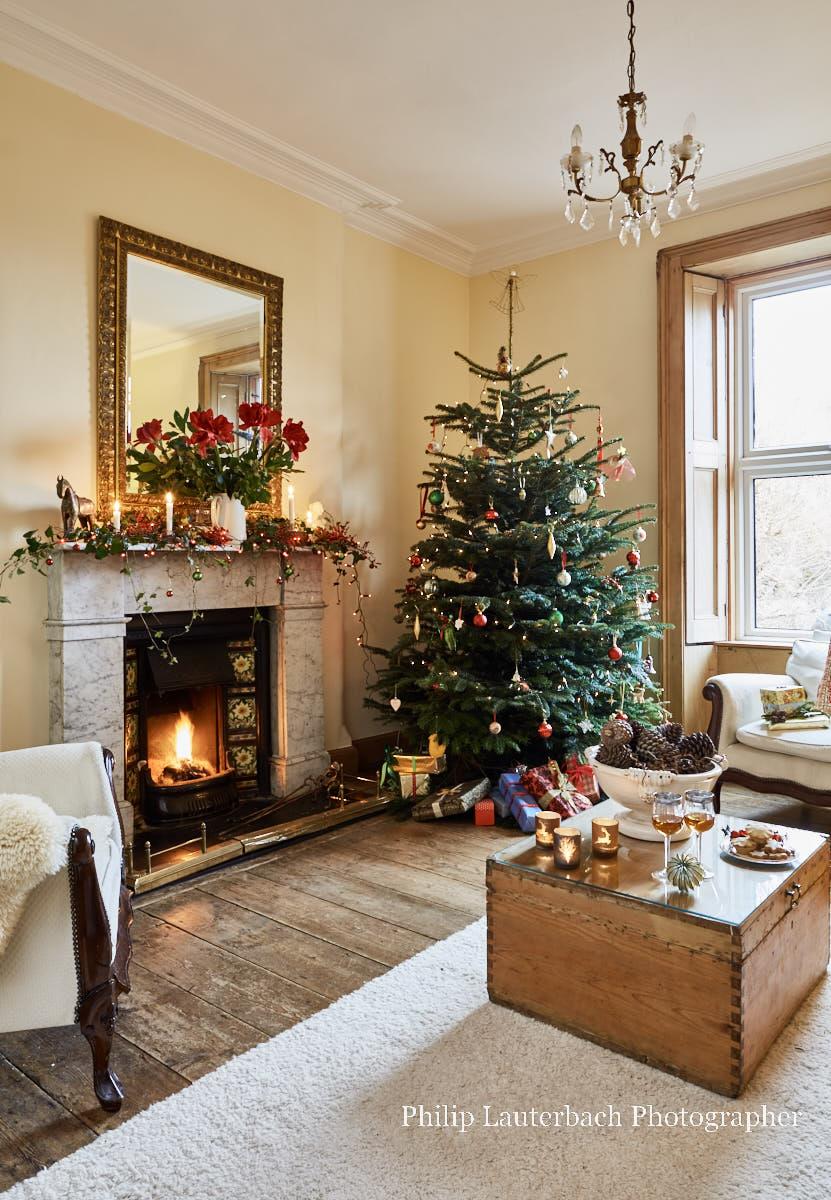 georgian style christmas decorations. Black Bedroom Furniture Sets. Home Design Ideas