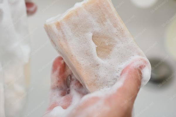 乳清と塩の洗顔せっけん