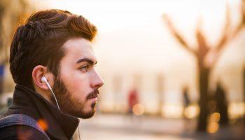 affirmations positves écouteurs homme