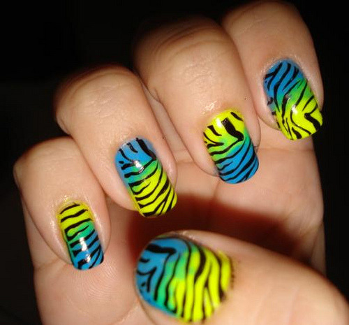 nailsthings:  by:Lu e May  instruction (instruções).