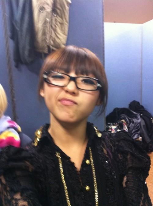 110103 Min's Twitter  They said I look like a nerd w my glasses on—! I'm a low-key nerd……. Lol
