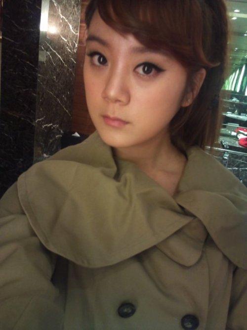 110103 Lim's Twitter  중국에서 또 셀카~~~ ^^;;; ㅋㅋㅋ Selca again in China~~~ ^^;;; kekeke