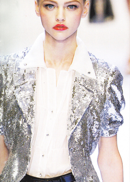 modeavenueparis:  Sasha Pivovarova | Valentino Spring/Summer 2007 | My Scan from Book Moda 2007