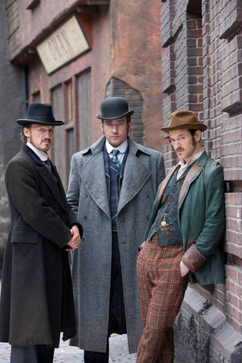 "BBC AMERICA announces new Dramaville series Ripper StreetFIRST PHOTO REVEALED<br /> BBC AMERICA is co-producing an extraordinary new crime series, Ripper Street, to premiere as part of BBC AMERICA's Dramaville this fall. The eight part series, created by Richard Warlow, is set in and around Whitechapel in London&#8217;s East End in 1889, during the aftermath of the Jack The Ripper murders.<br /> Ripper Street will star Matthew Macfadyen (MI-5, Pride and Prejudice), Jerome Flynn (Game of Thrones), Adam Rothenberg (Alcatraz), Myanna Buring (The Twilight Saga, White Heat) and David Dawson (Luther, Secret Diary of a Call Girl). The action centers on the notorious H Division, which is charged with keeping order in the chaotic streets of East London. Ripper Street is now in production in Dublin and is produced for the BBC by Tiger Aspect Productions, Lookout Point and BBC AMERICA.The project is Executive Produced by Greg Brenman and Will Gould at Tiger Aspect and by Simon Vaughan at Lookout Point. The series was commissioned by BBC Head of Drama, Ben Stephenson and Danny Cohen. Polly Hill is Executive Producer for BBC1. <br /> Our SVP of Programming, Richard De Croce had this to say: ""We're thrilled that Ripper Street is coming to our channel as part of Dramaville, the home of outstanding British drama. To this day, audiences continue to be fascinated by Jack The Ripper and the events in Whitechapel in the late 19th Century. This script and cast are going to take us for a great ride. We're excited to be involved in such an ambitious production with Tiger Aspect and Lookout Point."""