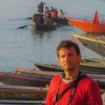 3000km-Viajes-Aventura-Alternativos-Mochilero-Asia-India-Varanasi-Delfin-1