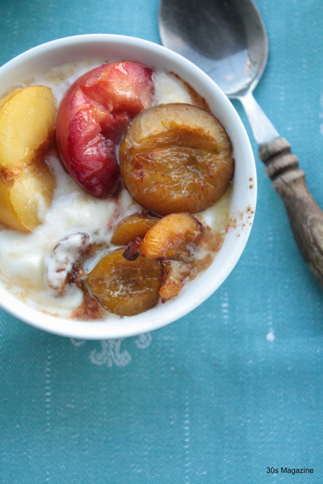 Fall Flavours: Roasted Plums with Greek Yoghurt and Honey