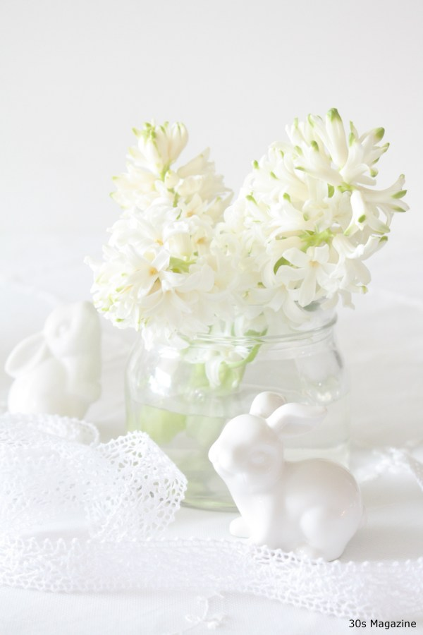 Easter flower vignette