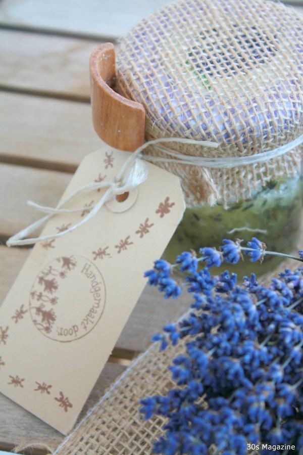 lavender scrub present