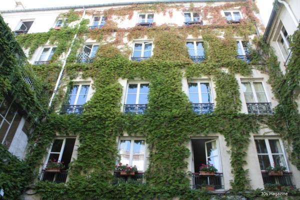 Parasian facade