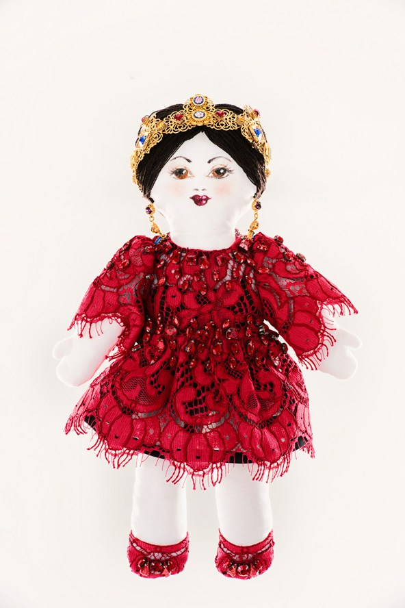 a doll Dolce-and-Gabbana-unicef-designer-doll-vogue-26nov13-pr_592x888