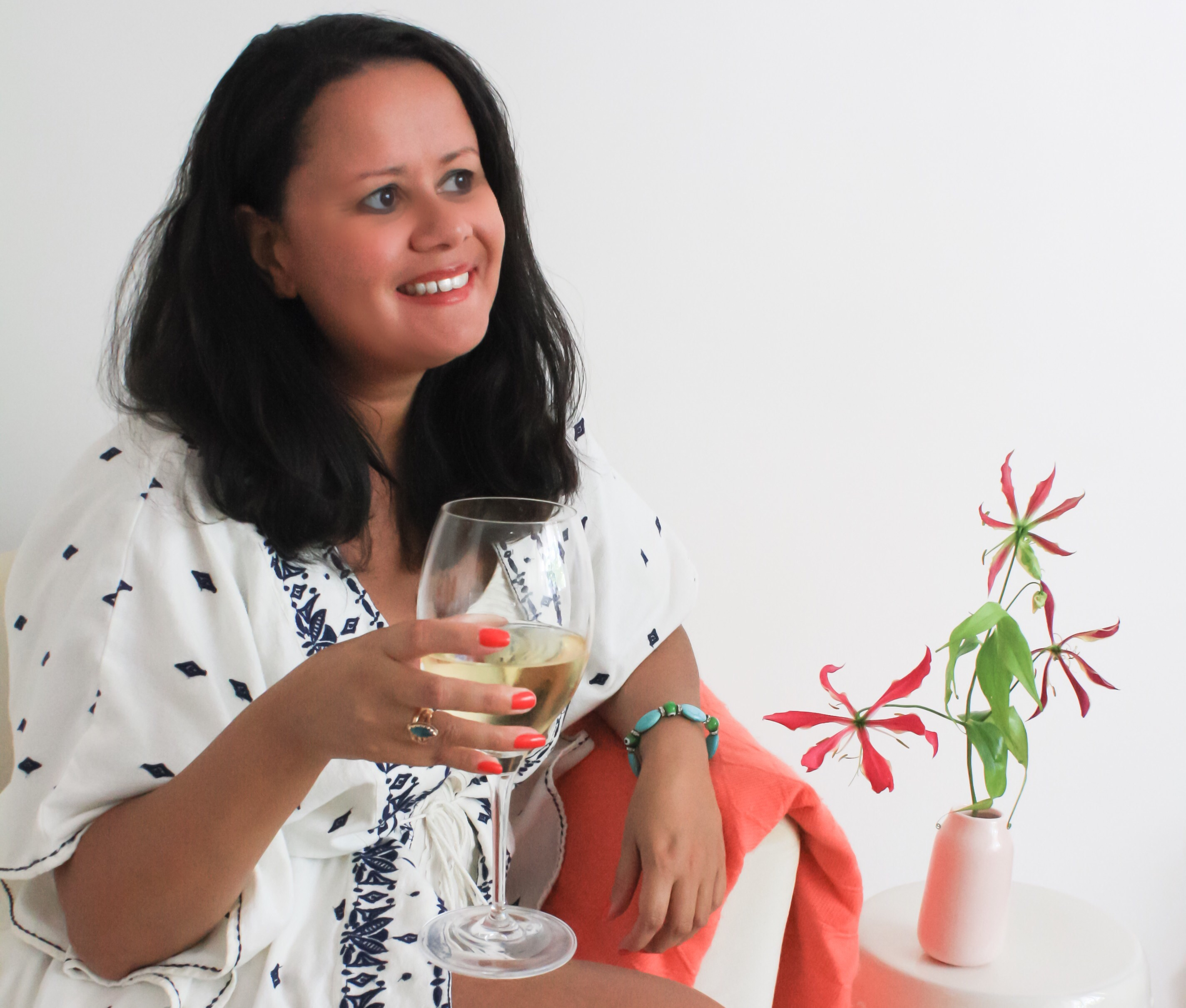 30s Magazine - A Summer Wine Tasting Party