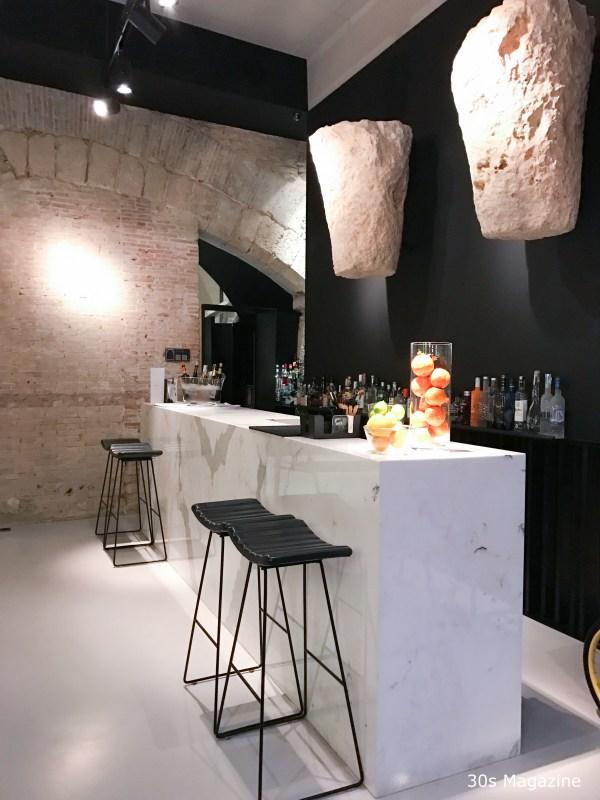 Meta Bar