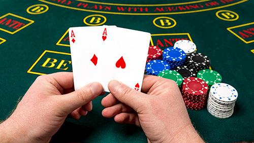 Poker player loses huge pot after card reveal