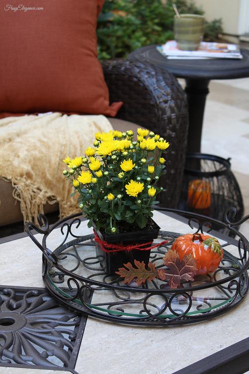 Fall Porch & Courtyard Home Decor | FrugElegance | www.frugelegance.com