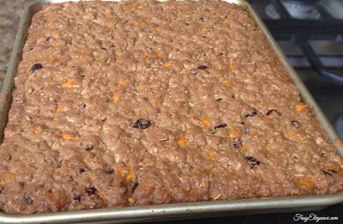 Pumpkin Spice Chip Oatmeal Bars | FrugElegance | www.frugelegance.com