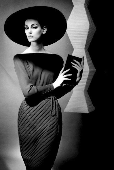 indypendentstyles:</p><p>Julie Dent Dress<br />