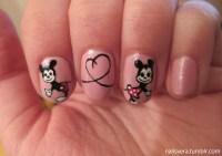 Nail Holidays  Adorable Mickey and Minnie nail art ...