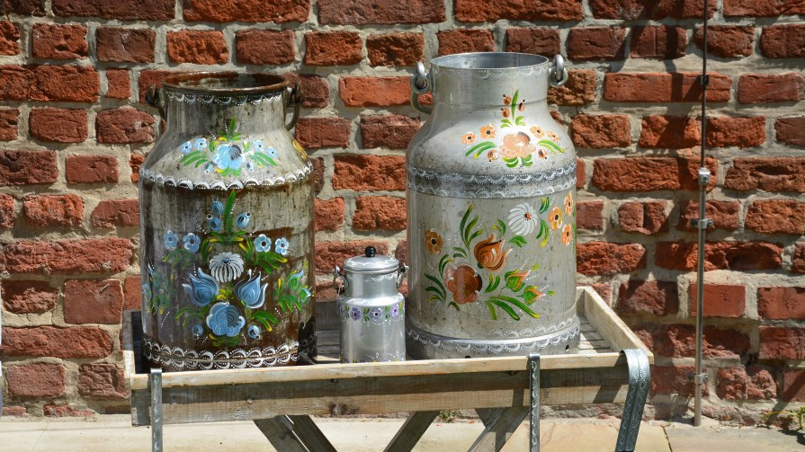 upcykling malowane kanki na mleko