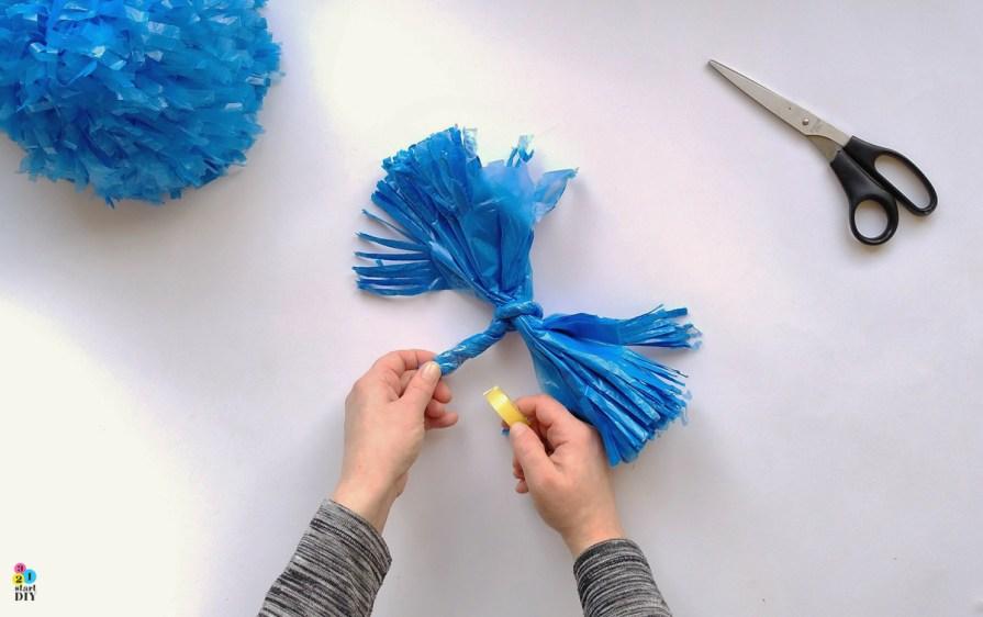 Jak zrobić pompony do tańca; pompony dla cheerleaderek