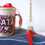 Kubek z napisem – pomysł na prezent od dziecka