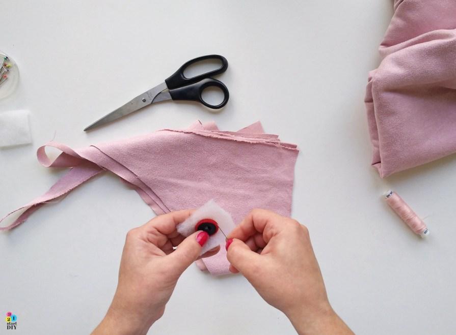 Oblekanie guzików materiałem, guziki tapicerskie